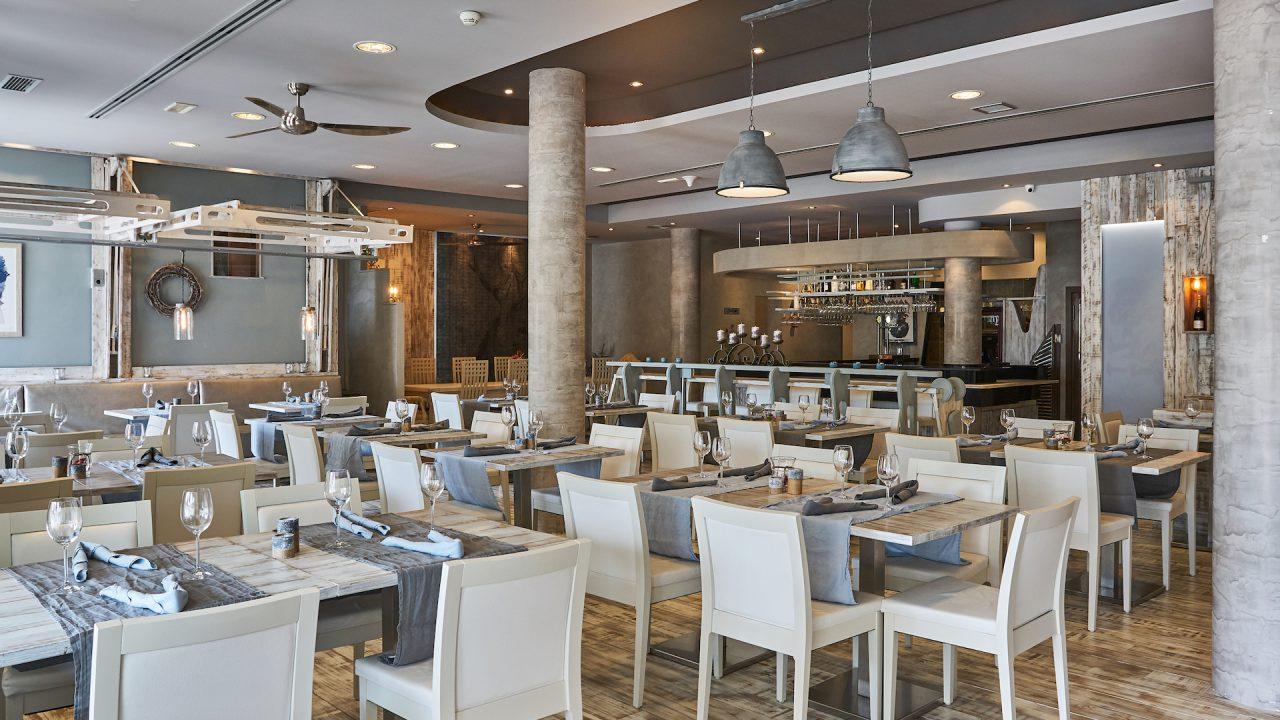 Fusion 8 restaurant